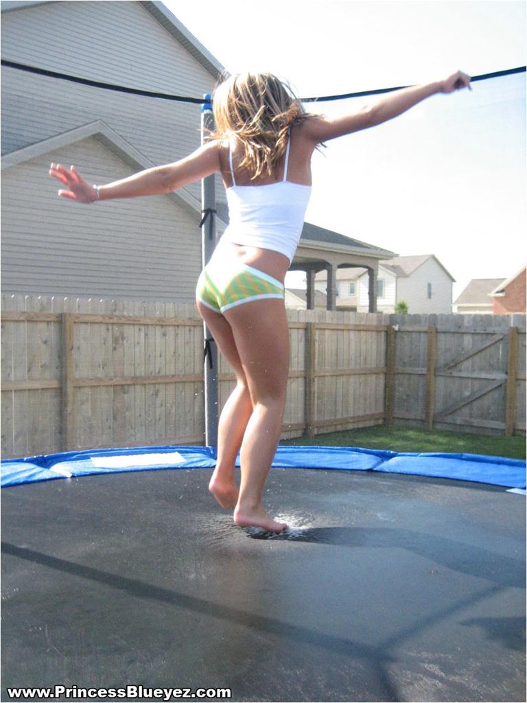 jailbait-on-trampoline-kate-fuck-gifs
