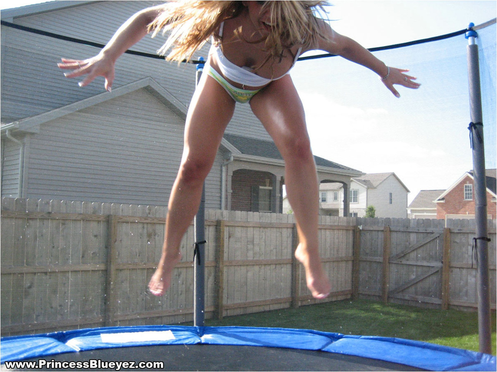 Nude girl jumping pic final, sorry
